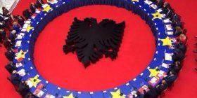 Serbët alarmohen pas takimit të dy qeverive