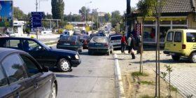 Rrugët e Gjakovës nuk i zgjeron asnjë Qeveri