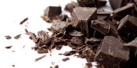 Çokollata e zezë, pse duhet ta konsumojmë atë çdo ditë