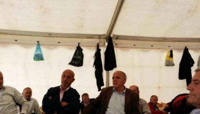 Reagojnë grevistët: Do të dalim me familje para Qeverisë