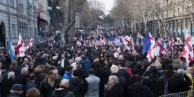 Gjeorgji: Mijëra demonstruan kundër qeverisë