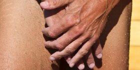 Festa e burrave me penisë të vegjël