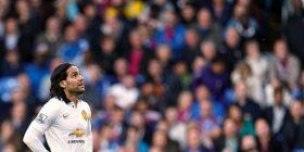 """Flet nëna e Falcaos, për """"vuajtjet"""" e djalit të tij te United"""