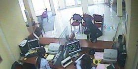 Grabitet me armë një bankë në Shqipëri