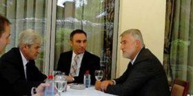 Ahmeti dhe Thaçi konsultohen para takimit të liderëve