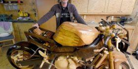 Fjaloset me gruan, e krijon motoçikletën prej drurit (FOTO)