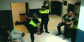 Kqyreni qysh polici e godet karate shoferin e dehun!
