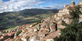 Shtëpi ne jug të Italisë për vetëm për 99 cent! (VIDEO)