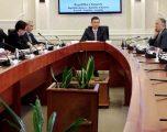 Ja çka u bisedua në takimin e organizuar nga Kadri Veseli me shefat e Grupeve Parlamentare!