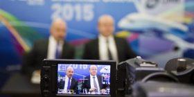 """Krejt po kthehen – Vala """"ateron"""" në Aeroportin e Prishtinës"""