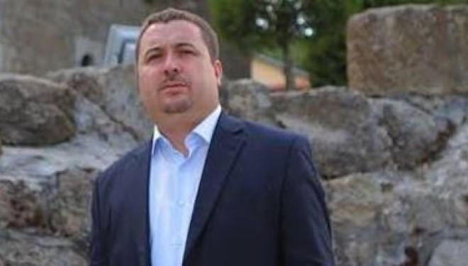 """Latifi: Problemi Kosovë-Serbi mund të zgjidhet nga një lider i guximshëm, jo nga """"grupe ekspertësh"""""""