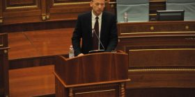 Ilir Deda iu thotë deputetëve të LDK'së: Gjykata Speciale s'i zbardh vrasjet politike