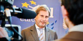 """Hahn: """"Shumë i pakënaqur"""" me qasjen e disa partive në Maqedoni"""