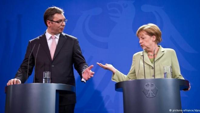 Shtyhet për nesër takimi online Merkel – Vuçiq për Kosovën
