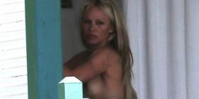 Pamela Anderson: Më është mërzit burri, ai s'di të q… (Foto)