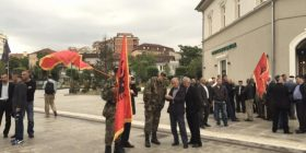 Fillon mbledhja e protestuesve (FOTO)
