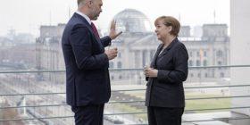 Merkel po kërkon një lider për Ballkanin perëndimor – Edi Rama një prej opsioneve