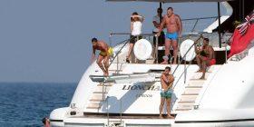 Ronaldo shijon pushimet në Saint Tropez (Foto)