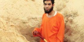 ISIS e detyron ta hap varrin e vet (Foto)