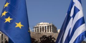 Kriza greke, pritet të martën firma për 3.5 miliard euro