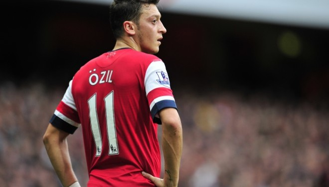 Ozil shënon het trik në fitoren e thellë të Arsenalit (Video)