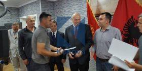 Dhjetëra veteranë u pajisen me certifikata