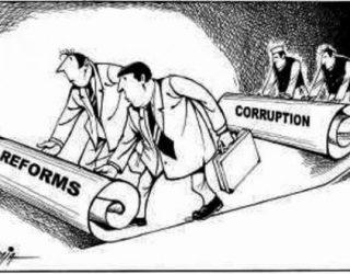 Paraja publike shpenzohet përmes proceseve të korruptuara