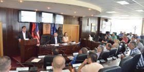Ministri Abrashi shpalos në Gjilan platformën për subvencionimin e pagave