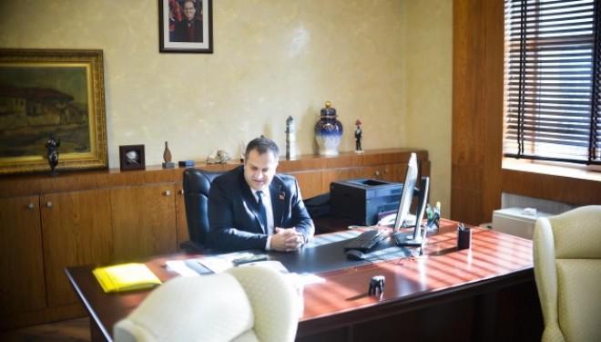 Ahmeti publikon Listën e Lëvizjes Vetëvendosje për Kuvendin Komunal të Prishtinës