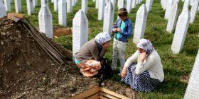Serbia anulon të gjitha aktivitetet për Srebrenicën