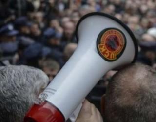 Klinaku: Kundër pastrimit të listave kanë qenë Thaçi, Mustafa dhe Haradinaj