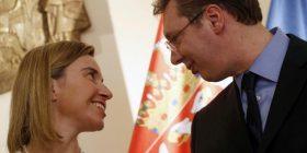Vuçiqi viktimë, Evropa solidarizohet me të në 20 vjetorin e gjenocidit