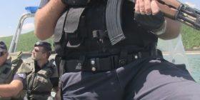 Policia Përforcon Badovcin, Nisin Patrullimet me Barkë (VIDEO)
