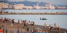 Durrës, denoncohet zhdukja e 4 pushueseve në plazh