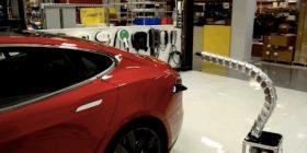 """Tesla zbulon """"ushqyesin-gjarpër"""" për makinat e saj"""