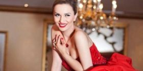 Teuta e uron Memli Krasniqin pas kandidimit për kryetar të PDK-së