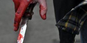 """Sherr në Durrës, i riu godet me thikë 48-vjeçarin te tregu i """"Këmbimit Valutor"""""""