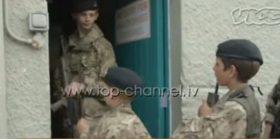Ushtria e fëmijëve në Rusi. Të miturit trajnohen si të luftojnë dhe të përdorin armët