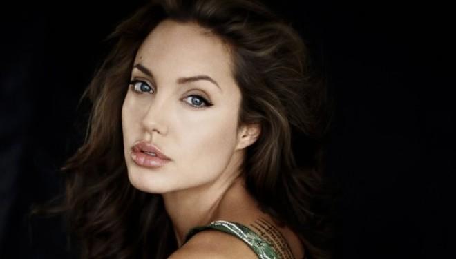 Pitt thyen heshtjen: Jolie po rrezikon jetën e gjashtë fëmijëve!