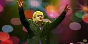 Elton John ndërpret koncertin në Zelandën e re, humbi zërin