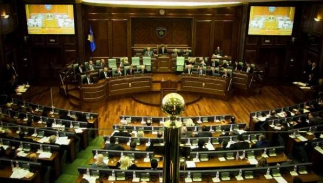 Dështojnë projekt-rezolutat për Haradinajn