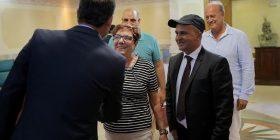 Veseli takoi të mbijetuaren e Holokaustit (Foto)