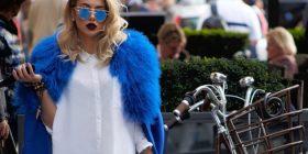 Elvana, e bukura në të kaltër (Foto)