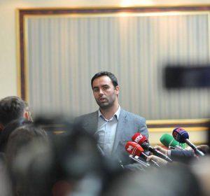 Konjufca: Apostolova i tregoi Kurtit se Thaçi e Vuçiq po flasin për ndarje