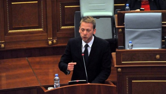 Serbisë i konvenon bashkimi i Kosovës me Shqipërinë, thotë Deda