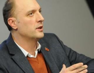 VV e quan RTK'në të Pronto's, i luten Ridvan Berishës t'i ftojë në emision