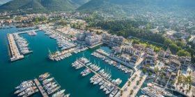 """Serbia me """"dalje në det"""", planifikon ta blejë portin e Tivarit"""