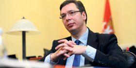 Vuçiq thotë se politikanët shqiptarë po tentojnë t'i blejnë deputetët serbë