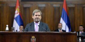 Hahn në Beograd: Serbia ka arritur sukses shumë të madh drejt BE'së