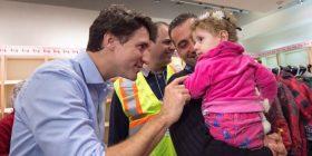 Refugjatët e parë sirianë mbërrijnë në Kanada (Video)